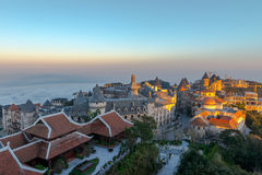 Ładny góra krajobrazu zmierzchu widok od półdupka Na wzgórza, da nang Wietnam Feb 2017 obrazy stock