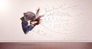 Ładny kobiety doskakiwanie z ręki rysować liniami i strzała przychodzącymi out Obrazy Stock