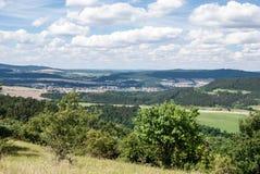Ładny krajobraz wokoło Beroun miasta w Środkowej cyganerii Zdjęcia Royalty Free