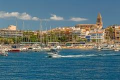 Ładny lato obrazek od małego Hiszpańskiego miasteczka w Costa Brava, Palamos 10 08 2017 Hiszpania Obrazy Stock