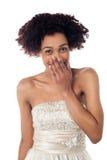 Ładny model w partyjnej odzieży dusi jej chichot Fotografia Royalty Free