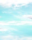 Ładny niebieskie niebo z chmurami Fotografia Stock