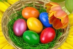 Ładny Wielkanocny przygotowania z jajkami obraz royalty free