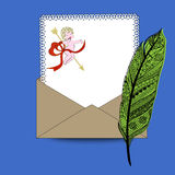 Ładny writing papier z kopertowym amorkiem i piórkiem Obrazy Royalty Free