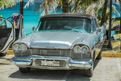 Ładny zbliżenie widok klasyk, retro rocznika samochód Obrazy Royalty Free