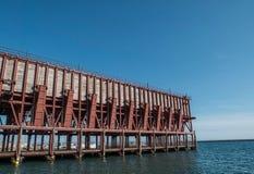 Ładownicza platforma umieszczająca w Almeria Hiszpania społeczeństwo kopalina 'Kolejowa firma Limitedi' zdjęcia stock