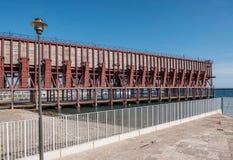 Ładownicza platforma umieszczająca w Almeria Hiszpania społeczeństwo kopalina 'Kolejowa firma Limitedi' zdjęcie stock