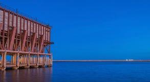 Ładownicza platforma umieszczająca w Almeria Hiszpania społeczeństwo kopalina 'Kolejowa firma Limitedi' zdjęcia royalty free