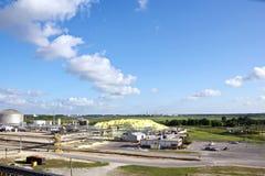 Ładowniczy terminal dla ładować masowego ładunek chemiczny siarczany denni masowi przewoźniki używa brzeg żurawia Beaumont, Teksa fotografia royalty free