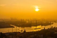 Ładunku hamburski port Zdjęcia Royalty Free