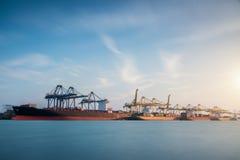 Ładunku lub handel wysyłki port fotografia stock