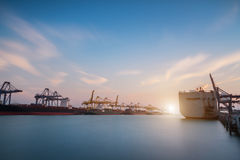 Ładunku lub handel wysyłki port obraz royalty free