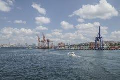 Ładunku port Istanbuł w Turcja Zdjęcia Stock