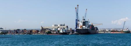Ładunku port morski z żurawiami Obrazy Royalty Free