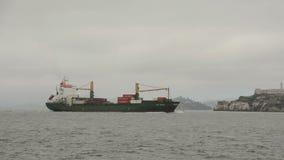 Ładunku statek blisko San Fransisco zbiory wideo