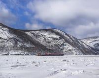 Ładunku statek na Zamarzniętym hudsonie Zdjęcie Stock