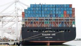 Ładunku statku HANJIN AMI ładowanie przy portem Oakland Zdjęcie Royalty Free