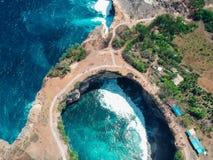 Łamana plażowa Nusa Penida wyspa, Bali, Indonezja fotografia stock