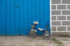 Łamani children rowerowi obrazy royalty free