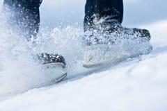 łamania latania lód jeździć na łyżwach dwa Zdjęcia Stock