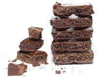 Łamany czekoladowy bar na białym tle Obrazy Royalty Free