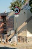Łamany drogowy podpisuje wewnątrz Budapest Obrazy Stock