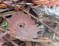 Łamany i rdzewiejący szkotowy metal Zdjęcia Stock