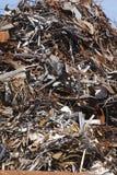 Łamany i rdzewiejący szkotowy metal fotografia stock
