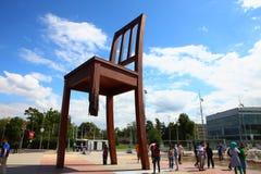 Łamany krzesło w Geneve Fotografia Stock