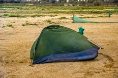 Łamany namiot przy plażą Zdjęcie Royalty Free