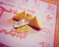 Łamany pomyślności ciastko z wycena o robić sposobności Fotografia Stock