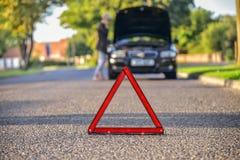 Łamany puszka samochód na drodze zdjęcia royalty free