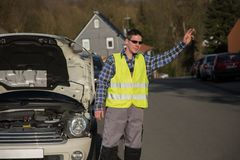 Łamany samochód, pomoc potrzebująca Zdjęcia Stock