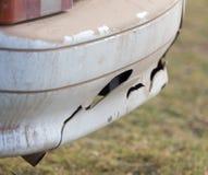 Łamany samochodowy zderzak fotografia stock