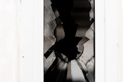 Łamany szkło w białym okno obraz stock