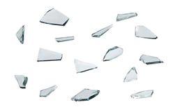 Łamany szkło z ostrze kawałkami odizolowywającymi na białym tle Zdjęcia Stock