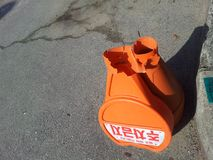łamany szyja rożek z cieniem na drodze, Łamającej ŻADNY parking rożka ruchu drogowego rożek zdjęcia royalty free