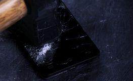 Łamany telefonu komórkowego ekran obrazy stock