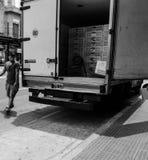 Łapać w pułapkę między ciężarówką i ramą obraz stock
