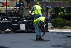 Łatanie droga z gorącym asfaltem obraz royalty free