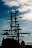 Ława przysięgłych rejsów masztów statek liny fotografia royalty free