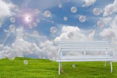 Ławka i świeże powietrze. Zdjęcia Stock