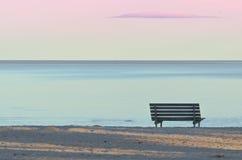 Ławka na plaży Zdjęcie Royalty Free