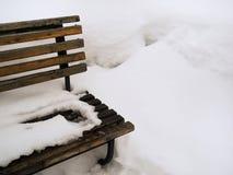 Ławka pod śniegiem Obrazy Royalty Free