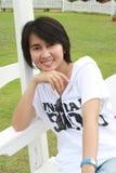 ławka target50_1_ tajlandzkiej kobiety Obrazy Stock