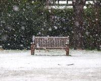 Ławka w śniegu Zdjęcia Royalty Free