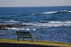 Ławka wzdłuż Atlantyk Zdjęcia Stock
