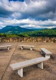 Ławki i widoki Appalachian góry od Łysego Mountai Zdjęcia Royalty Free