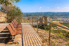 Ławki na punkcie widzenia w Włochy Zdjęcie Stock