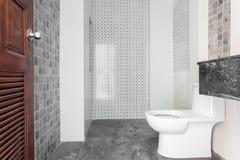 Łazienka biały sanitarny artykuły obraz stock